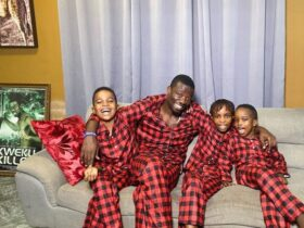 Kwaku Manu and his kids run for their lives as firecracker he lighted nearly destroys his house [Video]