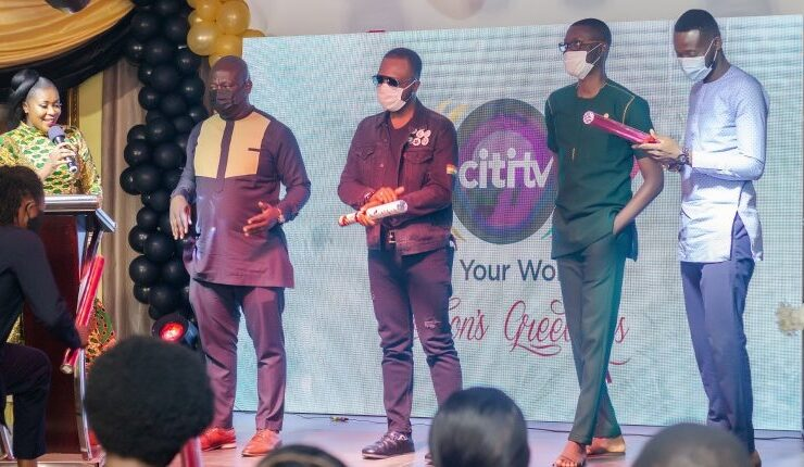 Akrobeto wins an award at Citi TV's entertainment achievement awards 2021 – See the full list of winners